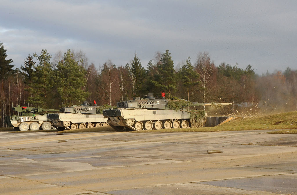 1024px German army Leopard 2 tanks Grafenwöhr