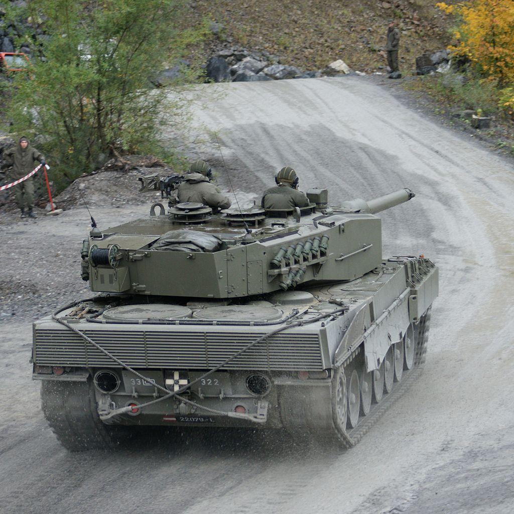 1024px Leopard 2A4 Austria 2