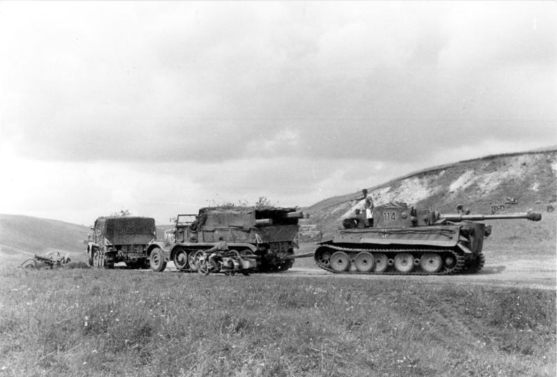 Bundesarchiv Bild 101I 022 2926 11A Russland Abschleppen eines Tiger I