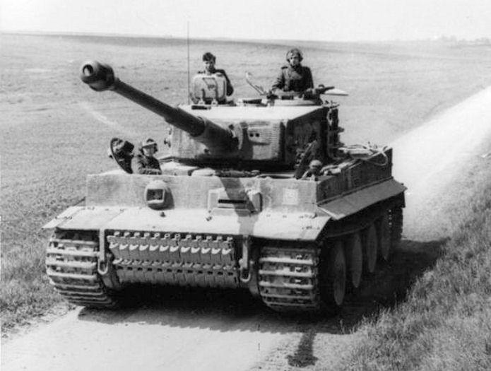 Bundesarchiv Bild 101I 299 1805 16 Nordfrankreich Panzer VI Tiger I cropped