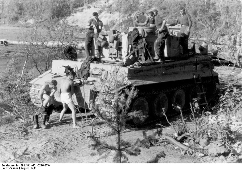 Bundesarchiv Bild 101I 461 0216 37A Russland Panzer VI Tiger I in Ruhestellung