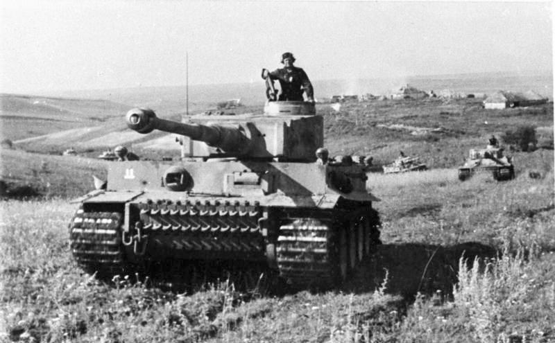 Bundesarchiv Bild 101III Zschaeckel 207 12 Schlacht um Kursk Panzer VI Tiger I